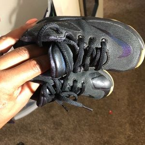 Shoes - Black LeBron James size 7